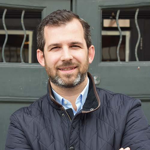 Scott Robertson BSc (Hons) MRICS